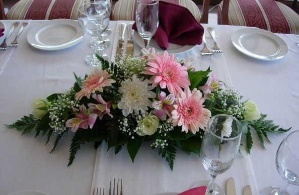 Цветы на столе молодоженов своими руками 170